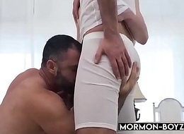 Hairy Daddy Takes Two Rods In Threesome - MORMON-BOYZ.COM