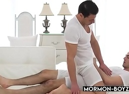 Slurps Mormon Teen Breeding By His Ripped Friend - MORMON-BOYZ.COM