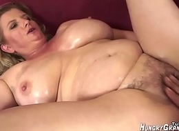 WHAT IS HER NAME? - WHO IS SHE? BLONDE MILF Chunky BOOBS