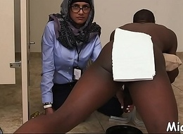 Deepthroat arab oral labour set-to
