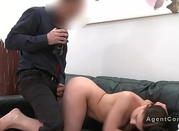 Fake agent jizzes on wet crack of brunette